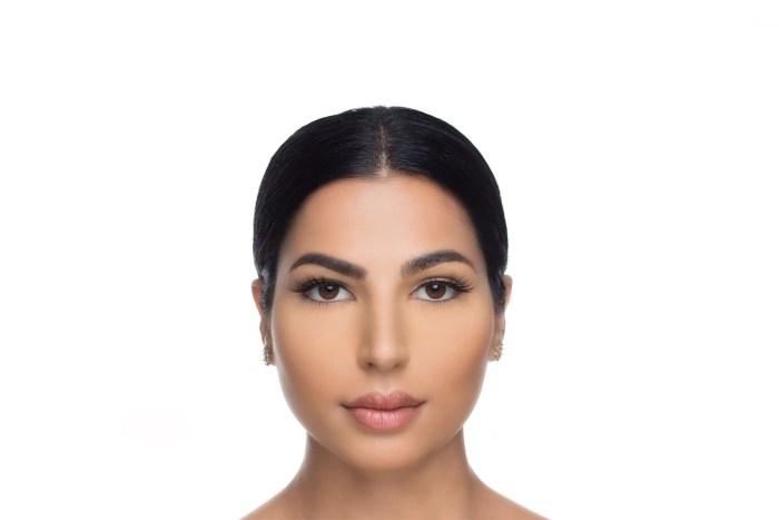 Olivia Mink Lashes, close up of ladies face wearing false eyelashes