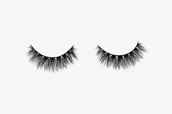 Savanna Mink Lashes, two false eyelashes side by side on grey background