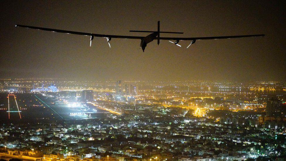 Solar Impulse 2 è il primo volo che completa con successo il giro del mondo alimentato solo da energia solare.