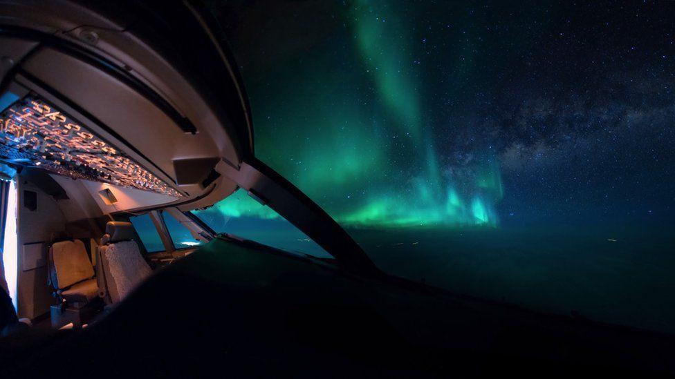 _95132099_aurora-cockpit-milkyway-night-wideangle-vanheijst_1600px
