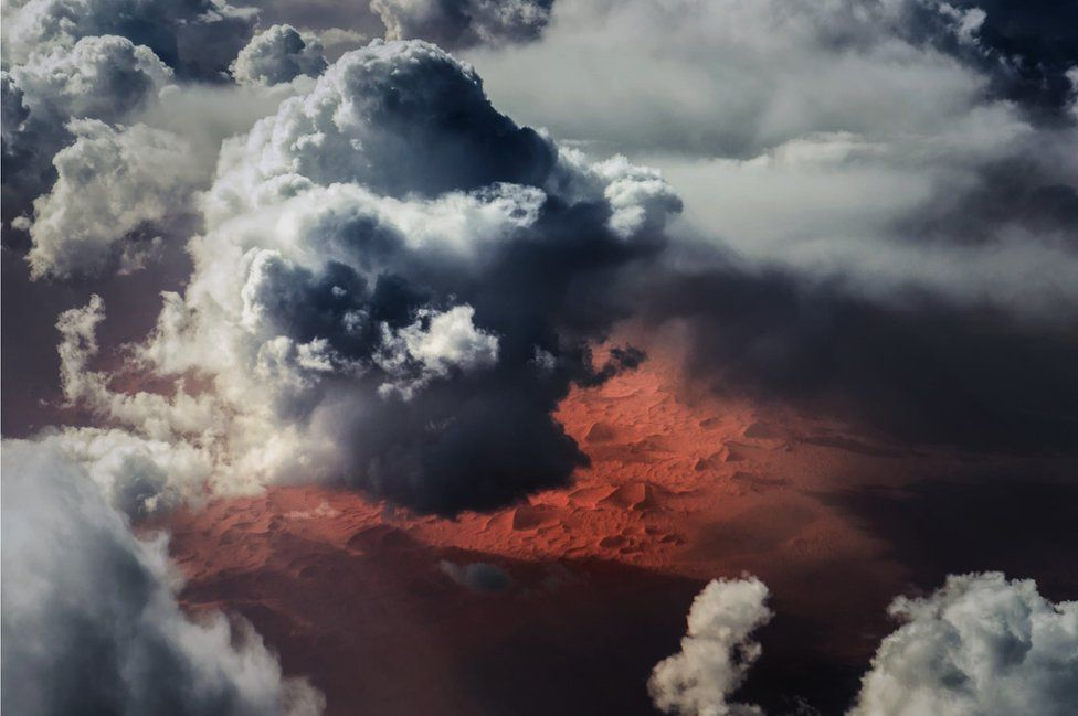 _95132106_weather-clouds-sahara-desert-orange-vanheijst_1600px