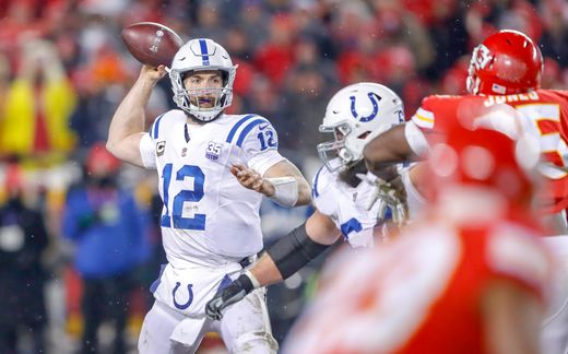Chiefs Handle Colts in Arrowhead