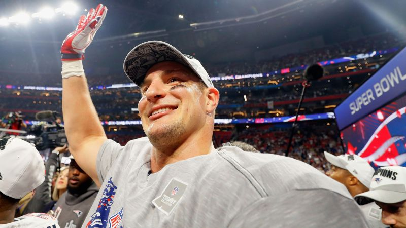 Gronk says goodbye to the NFL