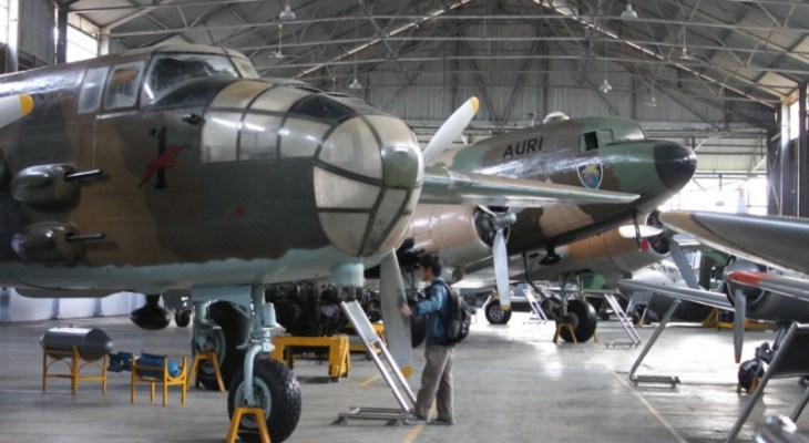 Pesawat yang ada di Museum Dirgantara