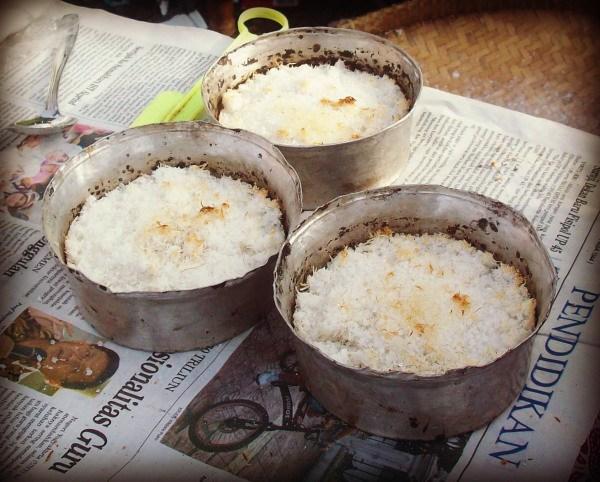 Kue Sagon dalam Loyang