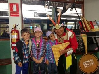 Trem de Ollantaytambo a Machu Picchu com crianças