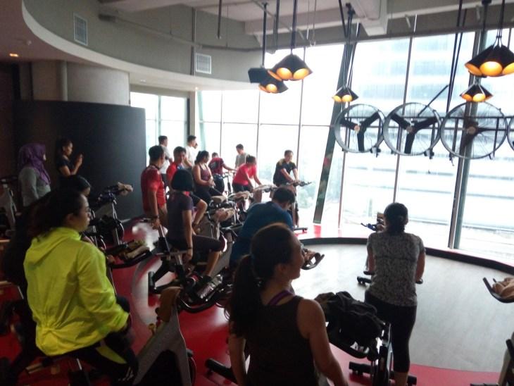 Suasana kelas RPM di Jatomi Fitness Kuningan City.jpg