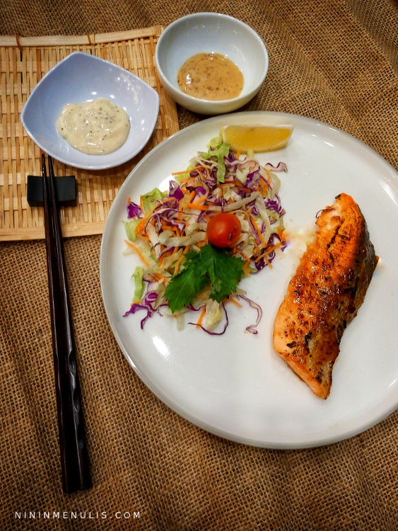 salmon guriru hokben