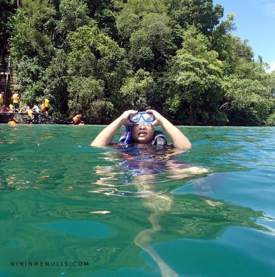 danau pulau kakaban