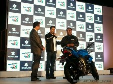 Suzuki-Gixxer-unveiled-in-India-1024x768