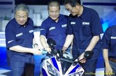 Launching_Yamaha_R1558