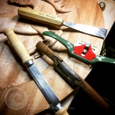 Tools used to shape and refine the border.