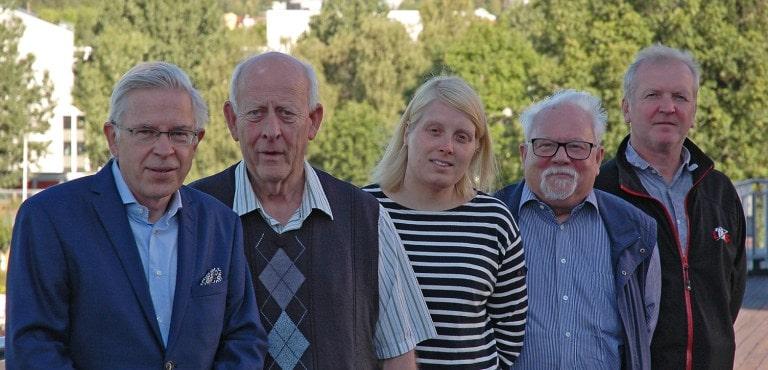 From left: NIOMs managing director, Jon E. Dahl, Arne Hensten, Ida Sofia Refsholt Stenhagen Eystein I. Ruyter and Jan T. Samuelsen