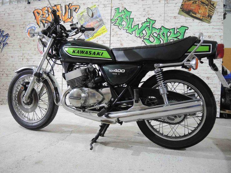 Kawasaki KH 400 folgte 1976 auf die 400 S3 nach