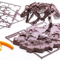 バンダイスピリッツが贈る「最新のティラノサウルス骨格プラモ」が宙に浮いている理由。