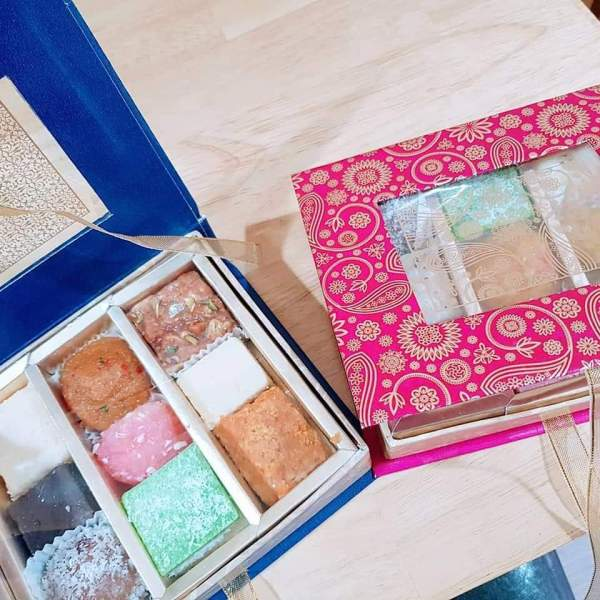 gift box mix mithai
