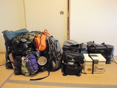キャンプツーリングの荷物