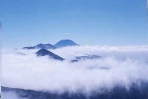 ニセコ 目国内岳頂上から 98'7