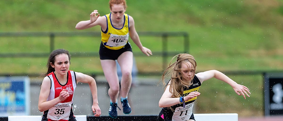 Track & Field Round Up: Junior athletes take centre stage at Age Group Championships!