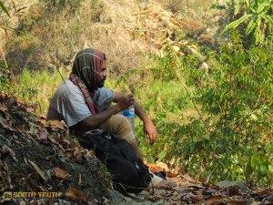 প্রভা গভীর দুশ্চিন্তায় মগ্ন, এবং সিদ্ধান্তটা তখনই নেয় সে (ছবি: লেখক)