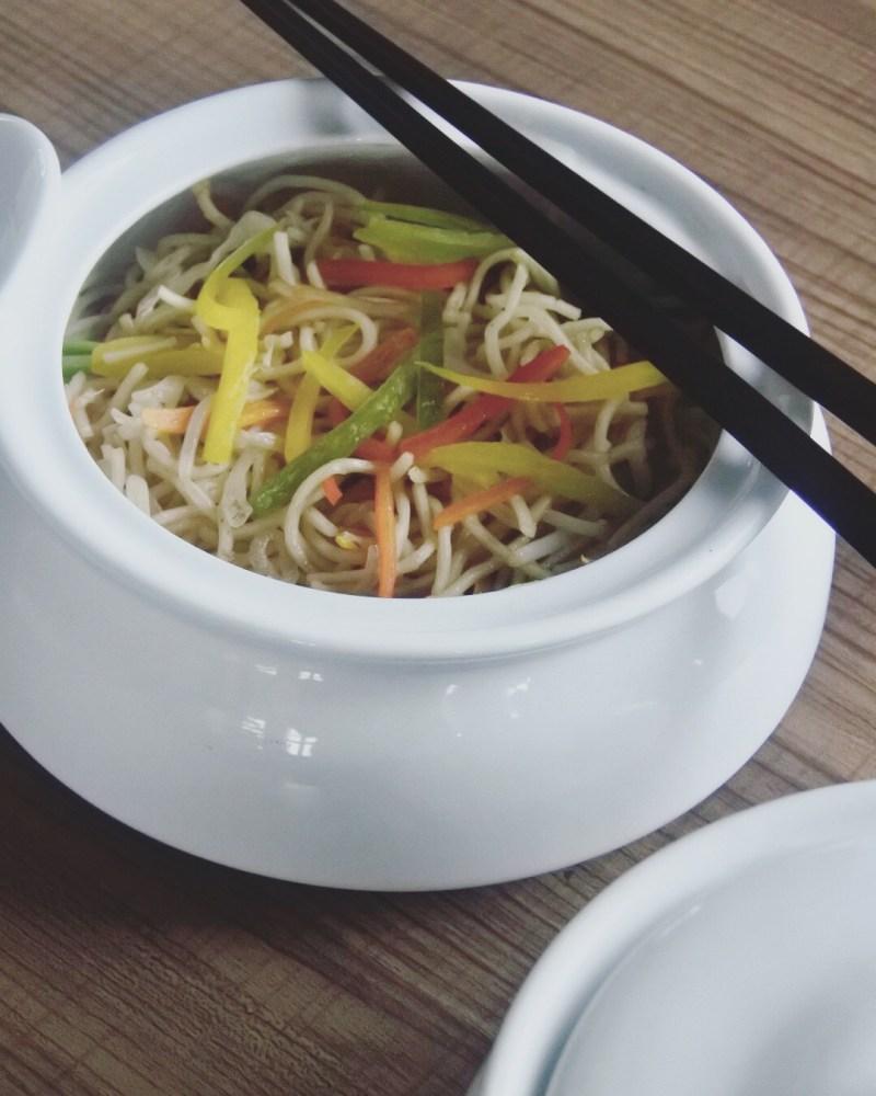 The veg hakka noodles
