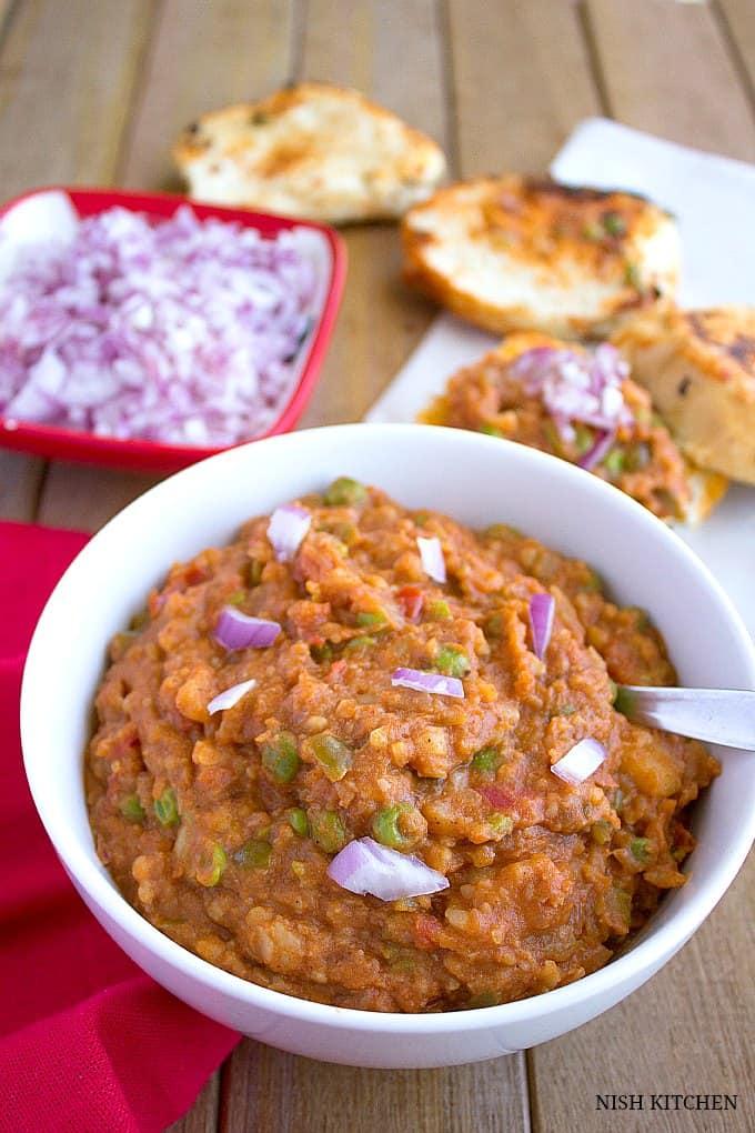 Mumbai-pav-bhaji-indian-street-food