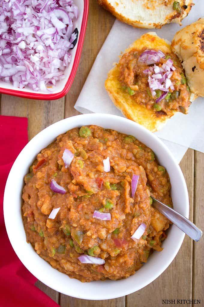 Mumbai pav bhaji recipe indian street food nish kitchen mumbai pav bhaji indian street food forumfinder Choice Image