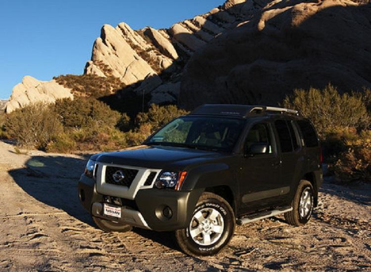 2015 Nissan Xterra front view