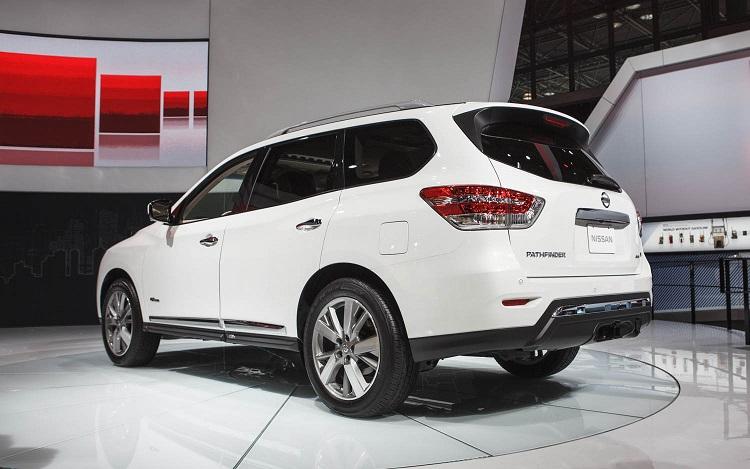 2017 Nissan Pathfinder rear view