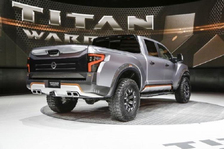 2018 Nissan Titan rear view