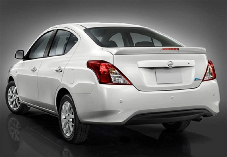 2016 Nissan Sunny rear view