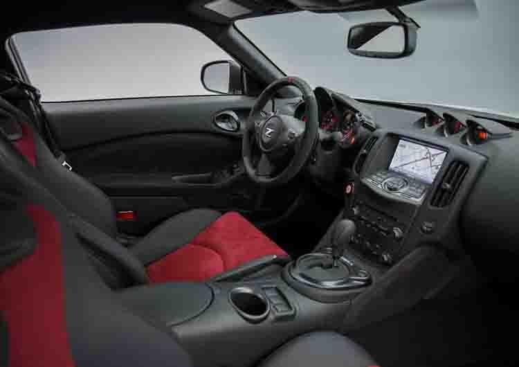 2018 Nissan 370z cabin