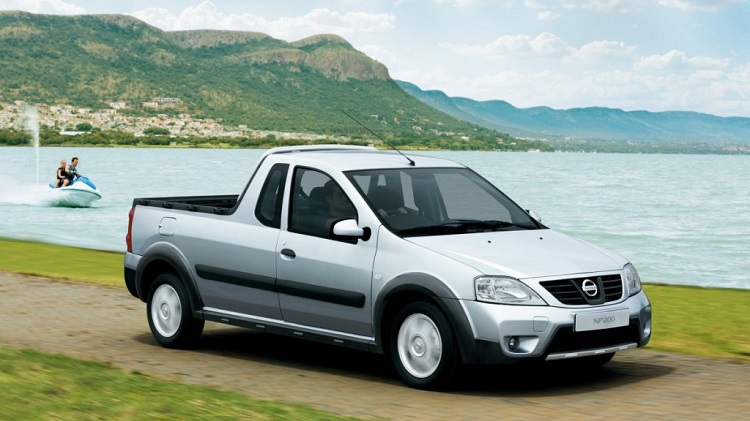 Nissan NP200 front view