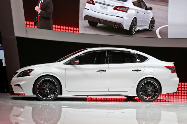 2019 Nissan Sentra side view