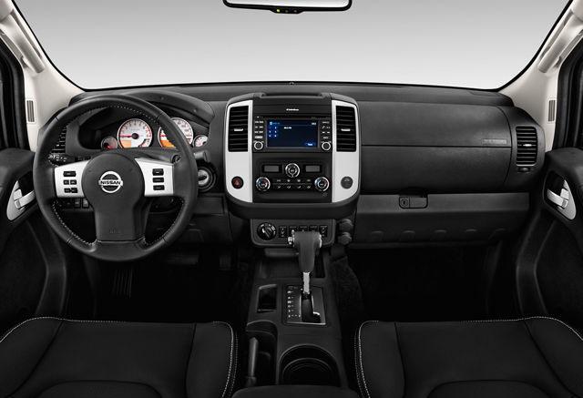 2020 Frontier interior