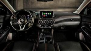 2022 Nissan Sentra interior