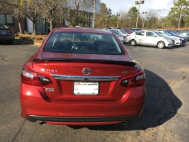 17 Altima SR Midnight Edition Cayenne Red Nissan of LaGrange Atlanta Auburn Columbus Newnan (6)