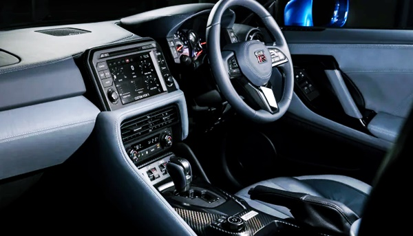 New 2022 Nissan GTR Interior