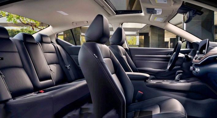 2023 Nissan Altima Interior