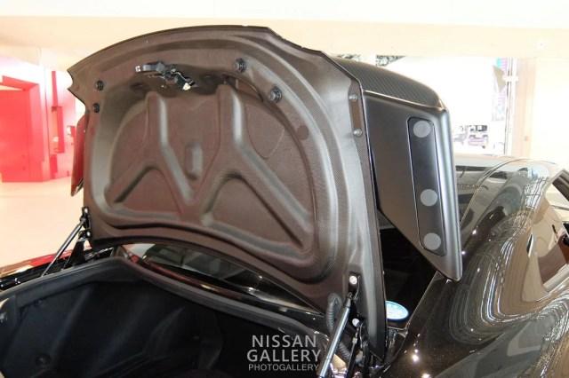 日産GT-R ドライカーボン製トランクリッド