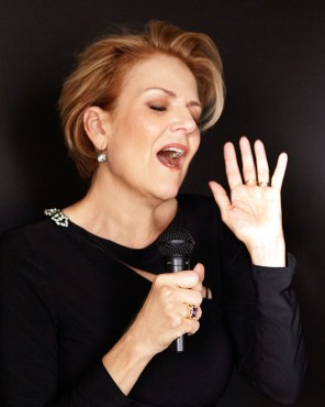 KAREN MASON TO RECEIVE MANHATTAN ASSOCIATION OF CABARET'S LIFETIME ACHIEVEMENT AWARD 2 The Manhattan Association of Cabarets (MAC) has announced that its 33rd MAC Awards will be held on Tuesday, March 26 at 7:00 pm at a new location, Sony Hall in New York City. The show is produced by Julie Miller and directed by Lennie Watts, with musical direction by Bobby Peaco.
