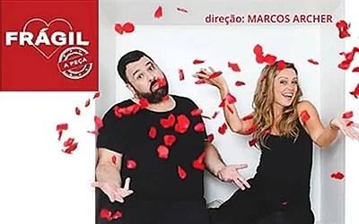 "A peça ""Frágil"" online no Municipal de Niterói"