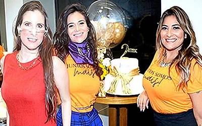 Atriz Evelyn Montesano presente no aniversário do salão de Juliana Paes