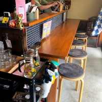街角食堂ハラハチ ⇒ 昼はカフェ、夜はバルになるアンデス風の店