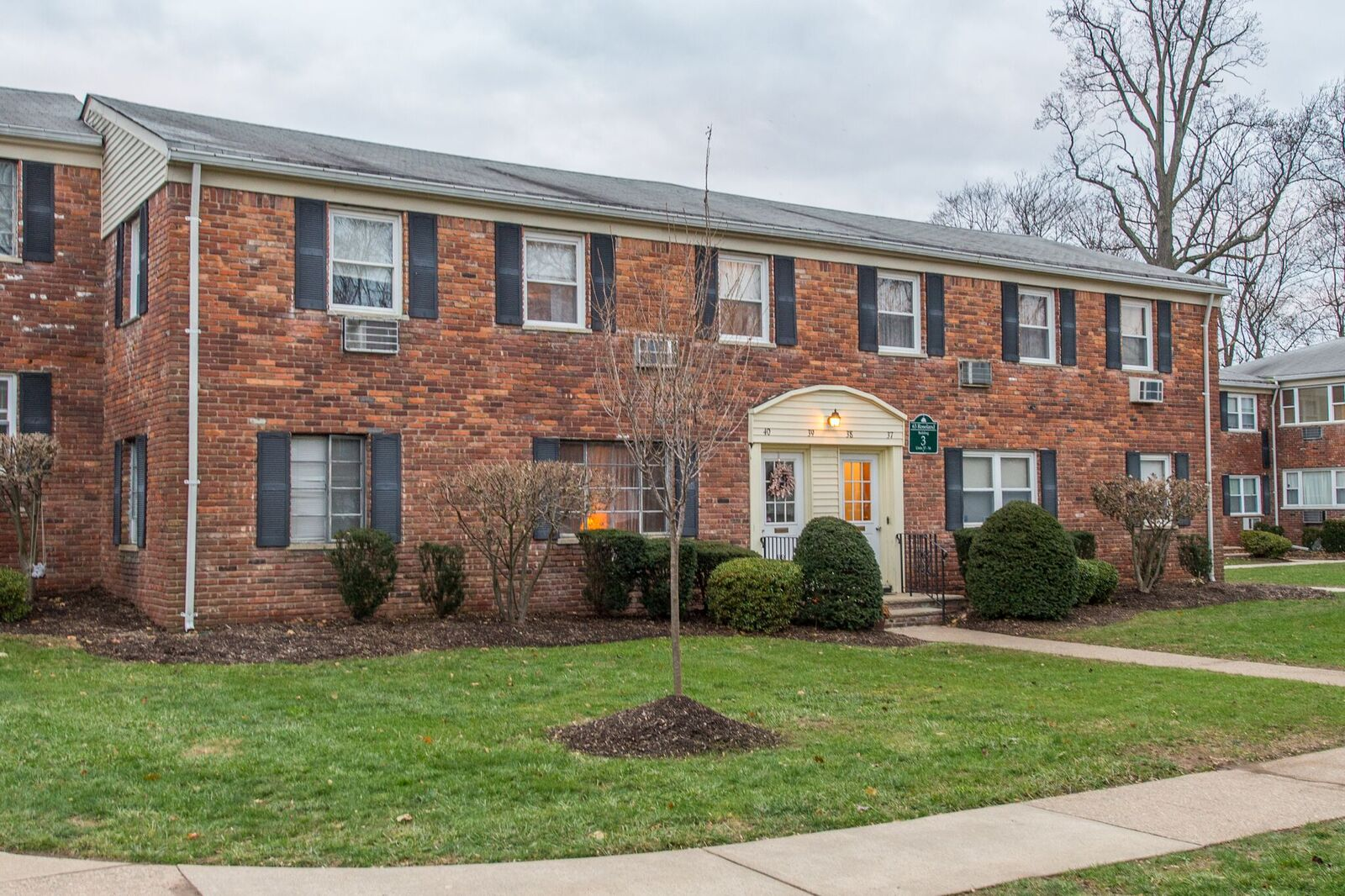 4.51/5 (15) Parkside Gardens Condos Caldwell New Jersey