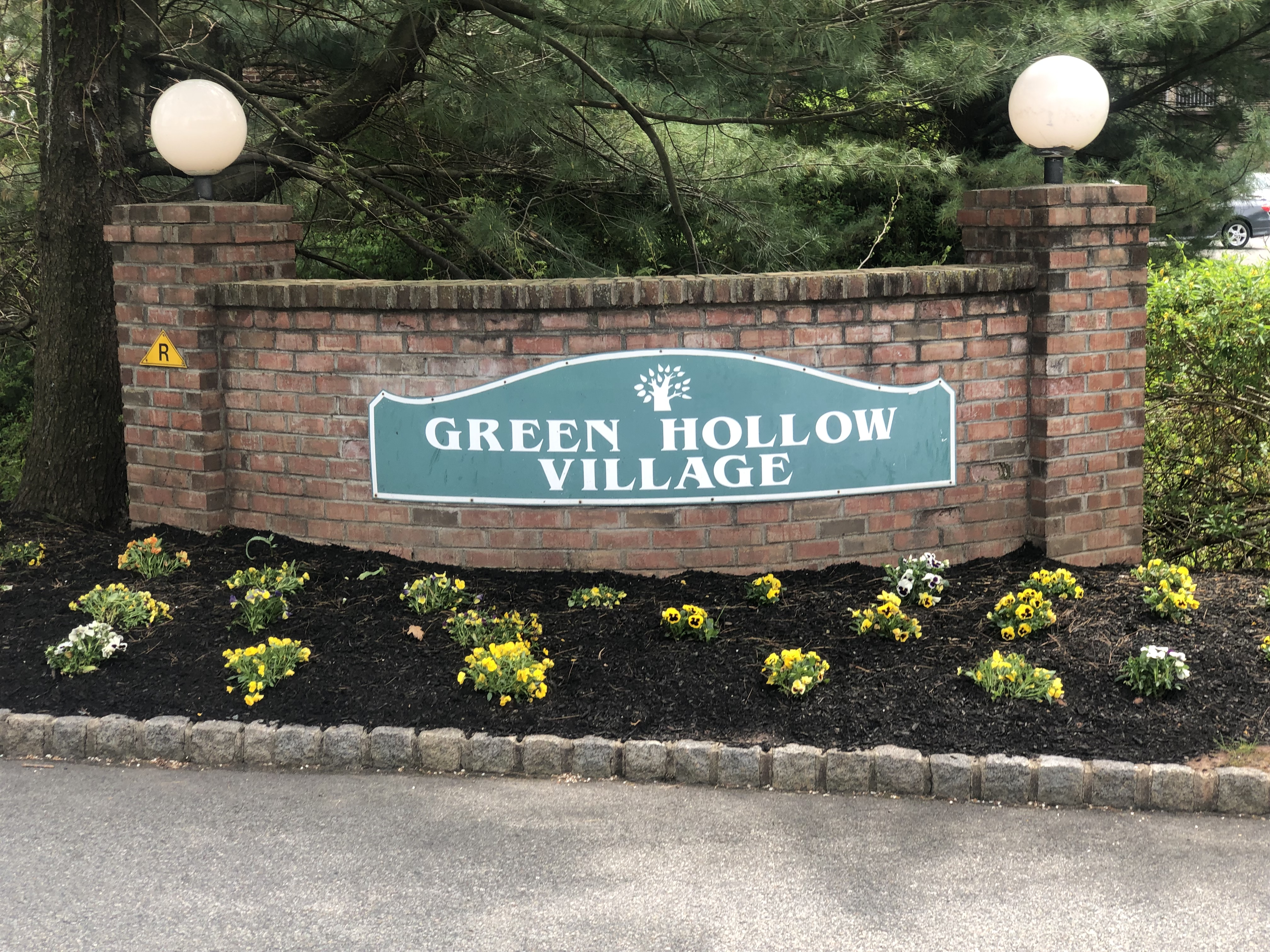 Green Hollow Village Condos Woodbridge