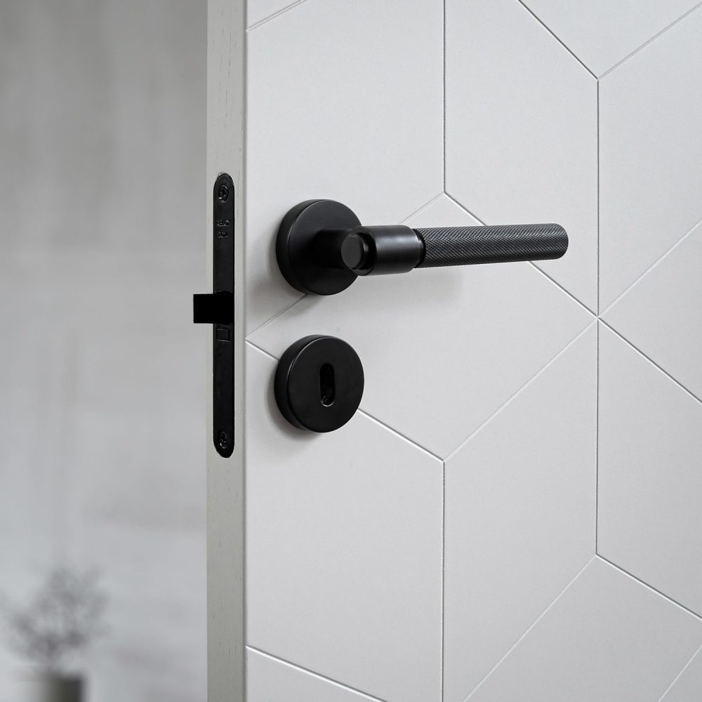dörrhandtag-helix-200-svart-beslag-design