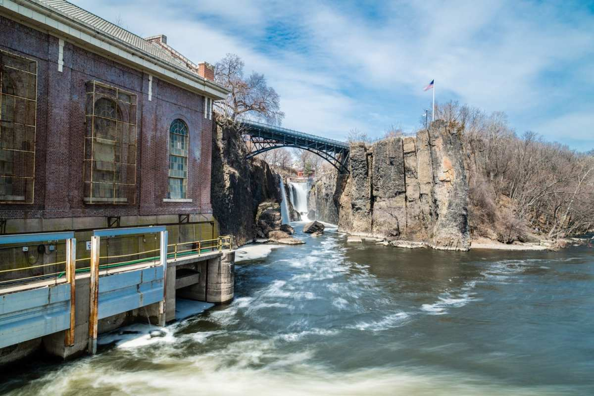 Paterson-Falls-Zoomlapse-1002