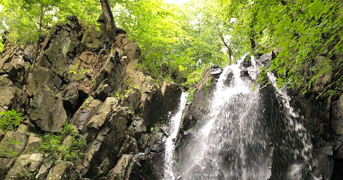Read more about the article Hiking Peanut Leap Cascade & Giant Stairs in Palisades Interstate Park