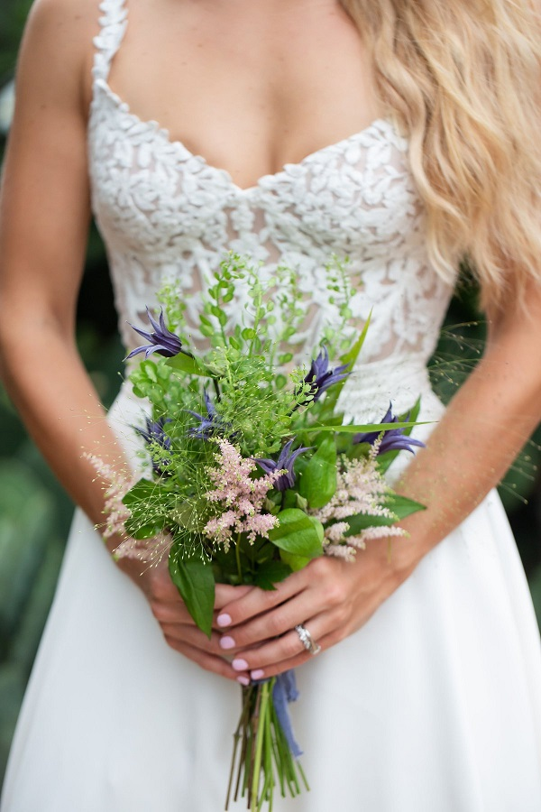 Victoria Blooms / Cat Pennenga / Bridal bouquet